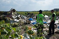 Crash site of the Malaysian airplane in Eastern Ukraine, photo: CTK