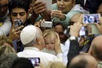 Papež František poskytl 26. října ve Vatikánu audienci Romům, Sintům  a kočovníkům (Foto: ČTK/AP, Gregorio Borgia)