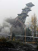 Odstřel těžní věže dolu Doubrava, foto: ČTK