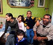 Eine der betroffenen Roma-Familien aus Vsetin (Foto: CTK)