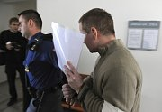 Jeden z obviněných, David Vaculík, před okresním soudem v Bruntále v listopadu 2009, foto: ČTK