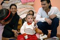 Natálka s rodinou (Foto: ČTK)