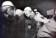 """Obrázek """"http://img.radio.cz/pictures/historie/89listopad2x.jpg"""" nelze zobrazit, protože obsahuje chyby."""