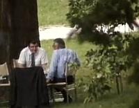 Vladimír Mečiar y Václav Klaus en el jardín de la villa (1992)