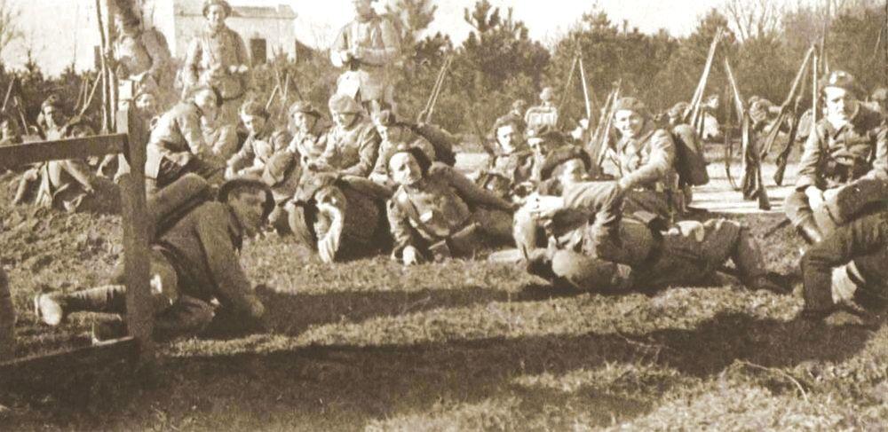 Legionarios checoslovacos de Francia en el región Těšínsko