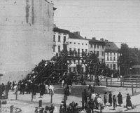 Most přes tzv. árijskou ulici v Lodži (Foto: Archiv města Lodž)
