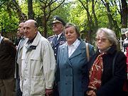 Elena Tumanová-Nezvěská (druhá zprava)