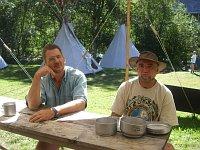Současný hlavní vedoucí tábora Martin Gelnar s Pavlem Becou.