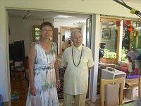 Helena Springinsfeld s maminkou Evou Vlčkovou stály 21. srpna 1968 s ostatními členy rodiny před těžkým rozhodnutím. Vrátit se z dovolené v Jugoslávii do okupované vlasti či emigrovat?