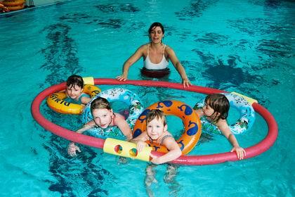 radio praga cursos de nataci n para beb s y ni os peque os