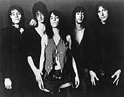 Patti Smith con su grupo