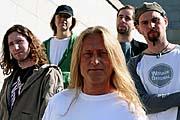 Kamil Střihavka y grupo No Guitars