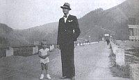 Jaromír Vejvoda mit seinem Sohn Jaromír (1939)