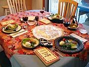 Stůl připravený k sederové hostině