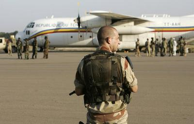 A Chadian military plane transporting European men and women accused of kidnapping 103 African child
