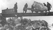 Prisoners of gulag building Belomorkanal