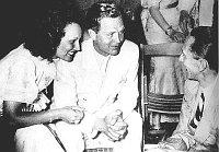 Lída Baarová und Joseph Goebbels (rechts)