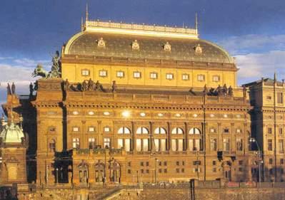 Národní divadlo v praze které divadlo bylo jeho první štací?