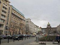 Wenzelsplatz, links das Hotel Jalta und das Haus Nr. 1601