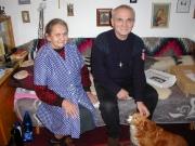 Páter František Lízna a jeho hospodyně Josefka (Foto: Jana Šustová)