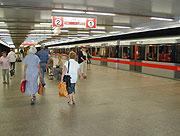La station Vltavska, août 2003