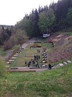 """Gedenkanlage """"Tal des Todes"""" in der KZ-Gedenkstätte Flossenbürg (Foto: Annette Kraus)"""