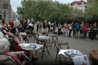 Čtení jmen obětí holocaustu při Jom ha-šoa na pražském náměstí Míru (Foto: Jana Šustová)