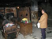 Antonín Lagrin v osvětimském krematoriu (Foto: Jana Šustová)