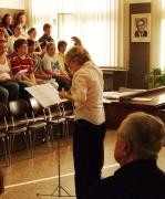 Skladatel Ilja Hurník a sbormistryně Blanka Kulínská na zkoušce ke koncertu Bambini di Praga (Foto: Petr Veber)