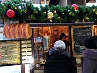 Трдельник на Малой Садовой ул. Петербурга, Фото: Катерина Айзпурвит, Чешское радио - Радио Прага