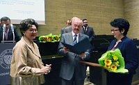 Předsedkyně České národní rady Ukrajiny Ludmila Muchina (vpravo)