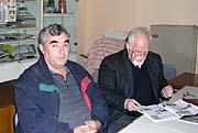 Profesor Dušan Kvapil (vpravo) spředsedou České Besedy vBele Crkvi Josefem Marešem, foto: Autorka