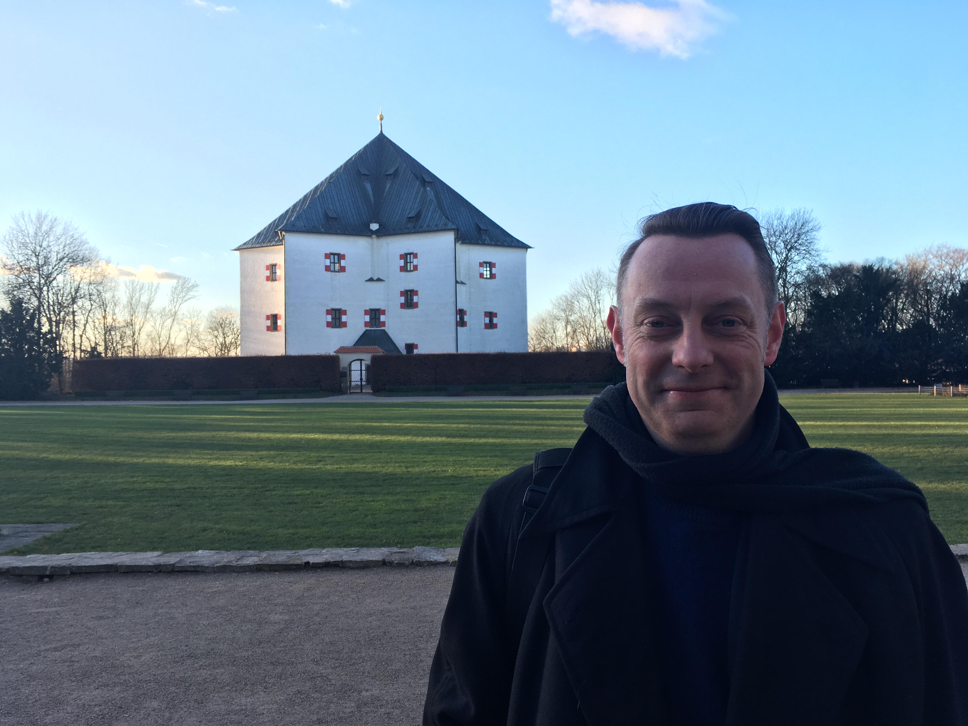 Richard Drury in front of Letohrádek Hvězda, photo: Ian Willoughby