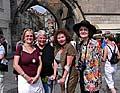 Rita Winkelmann mit ihren Freundinnen