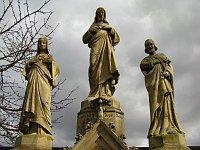 Svatá Trojice se nachází napravo od vchodu na hřbitov, foto: Kristýna Maková