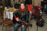 Petra Gelbartová vedla dílnu Romský rytmus a písničky