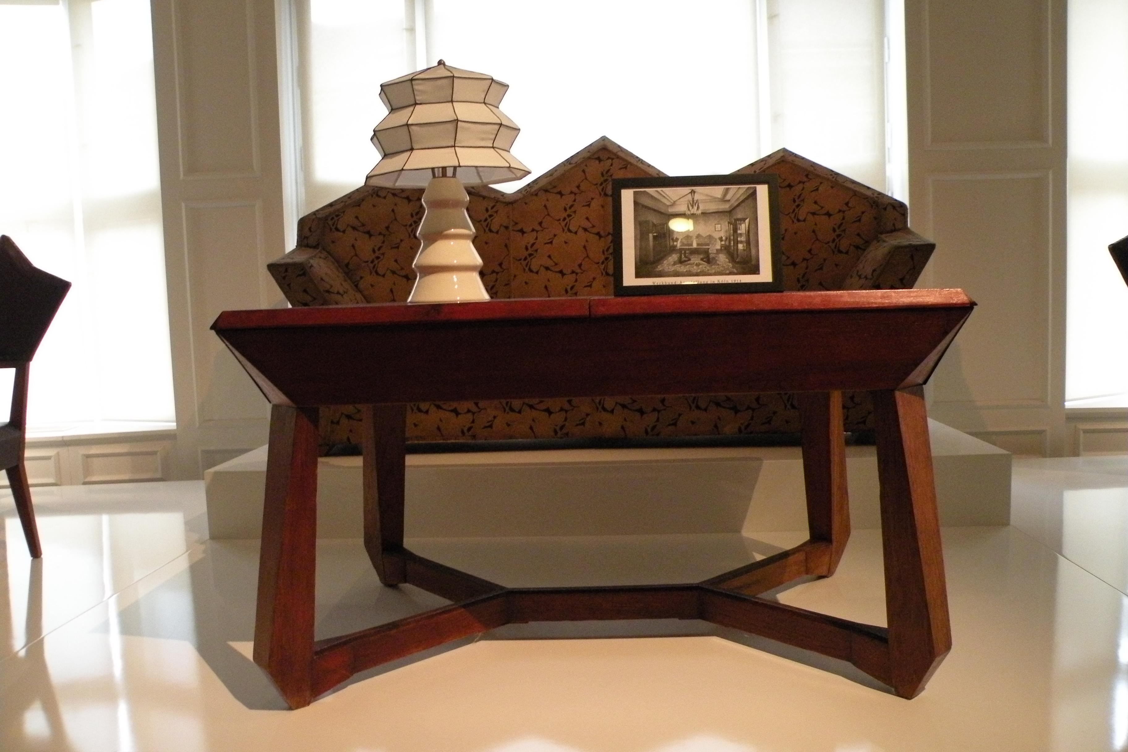 tschechischer kubismus im haus zur schwarzen mutter gottes radio prag. Black Bedroom Furniture Sets. Home Design Ideas