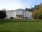 Kinský-Lustschloss