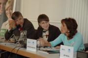 Faouzia Hariche (vpravo) na Fóru 2000 (Foto: Jana Šustová)