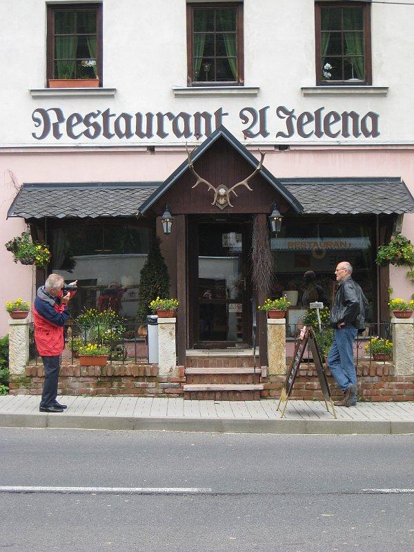 http://img.radio.cz/pictures/r/restaurace/petrovice_restaurace_u_jelena.jpg