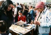 Ochutnávka romských sladkostí na Černém Mostě (Foto: Petr Axmann)