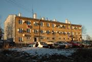 Panelový dům v Dobré Vodě, obývaný Romy (Foto: Jana Šustová)