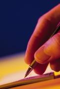 Podpis pod smlouvou byste si měli pořádně promyslet (Foto: Comstock)