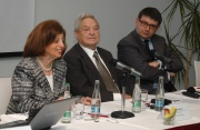 George Soros - uprostřed (Foto: Jana Šustová)