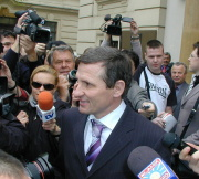 Jiřího Čunka ihned obklopili novináři