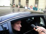 Jiří Čunek odjíždí z Úřadu vlády (Foto: Jana Šustová)