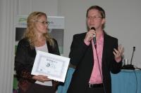 Jan Kubizňák z firmy Strabag při přebírání certifikátu Ethnic Friendly zaměstnavatel (Foto: Jana Šustová)