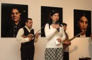 Vernisáž výstavy Paramisa - Sintové a Romové ve fotografiích Rogiera Fokkeho (Foto: Jana Šustová)