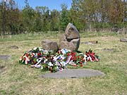 Památník v Letech u písku