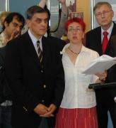 Vlevo: Romani Rose, předseda ústřední rady německých Sintů a Romů